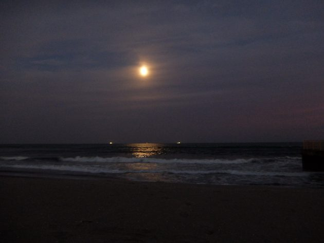 蒲生海岸 お月様
