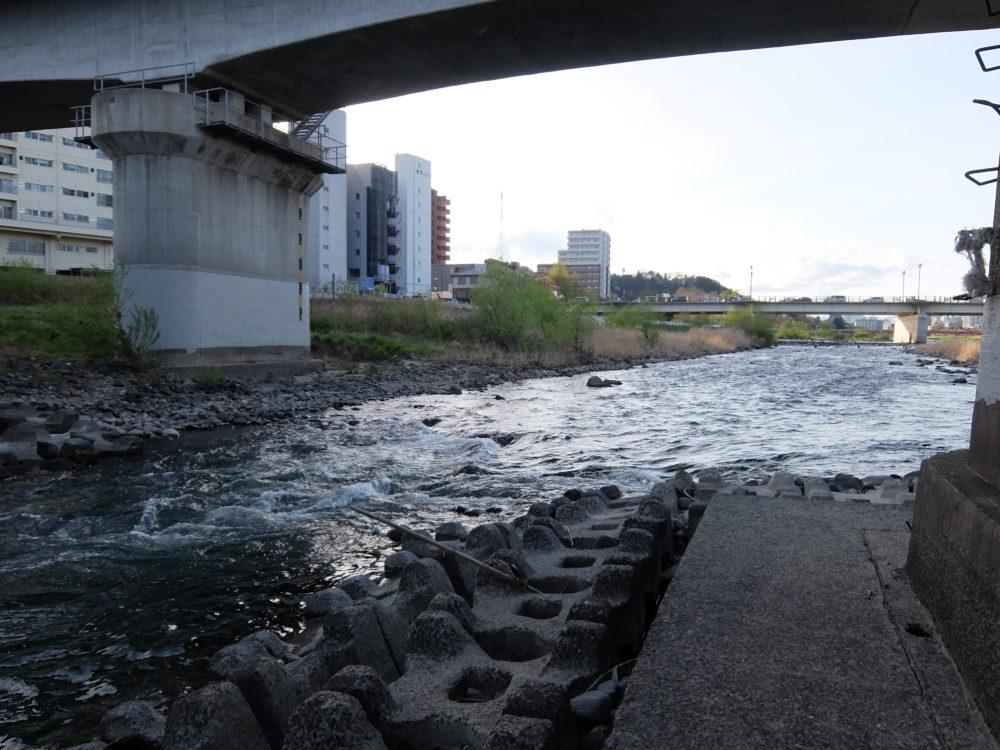 広瀬川JR東北本線下