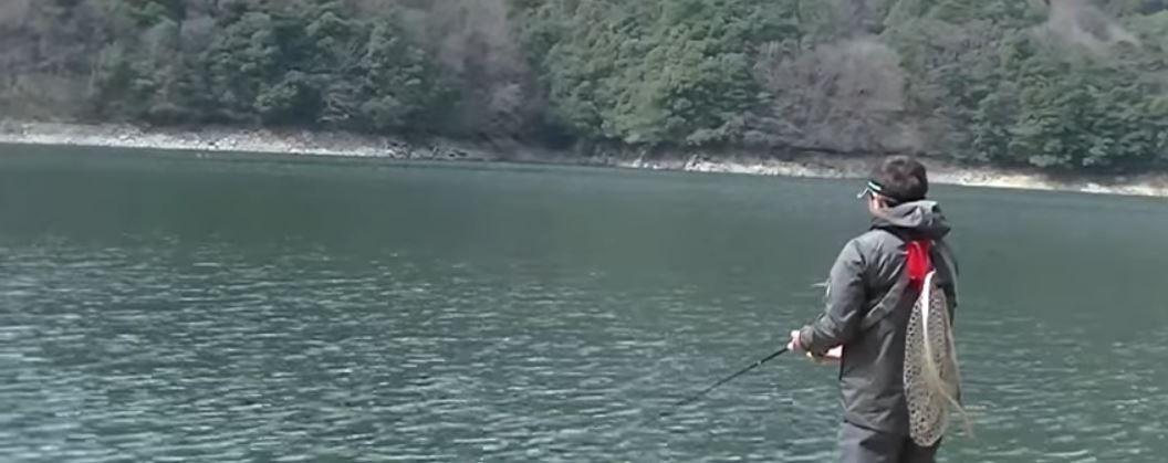 湖 サクラマス釣り