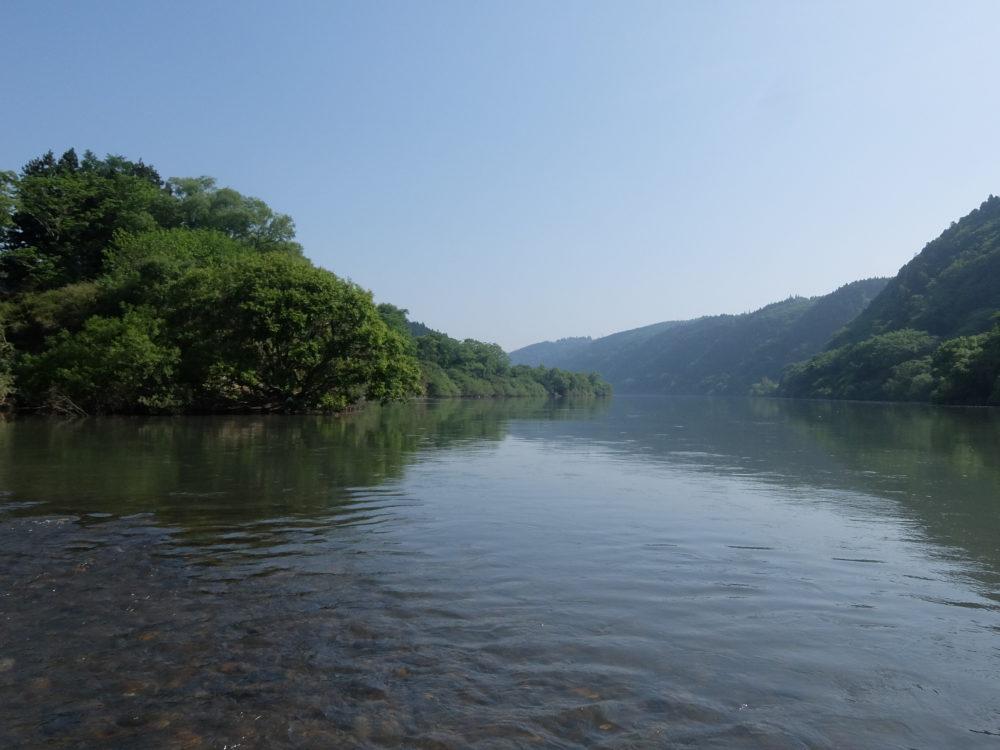 北上川と瀬脇川の合流点
