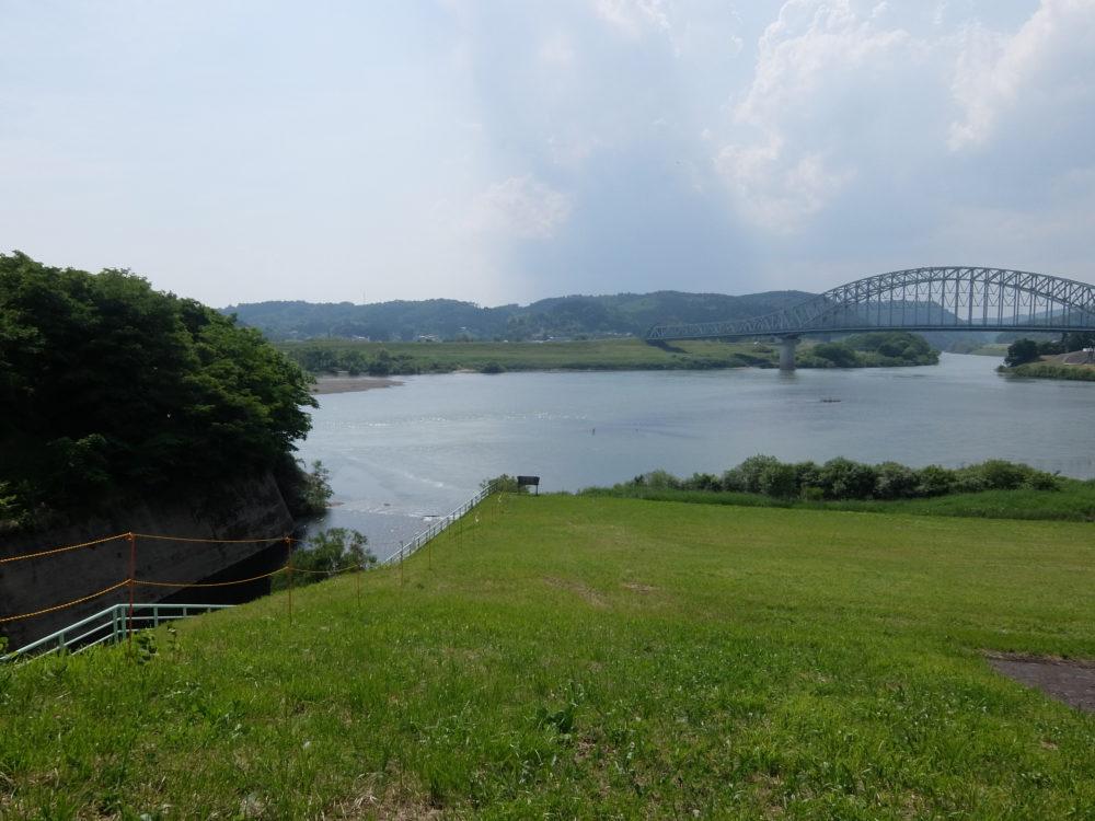 千厩川と北上川 合流点