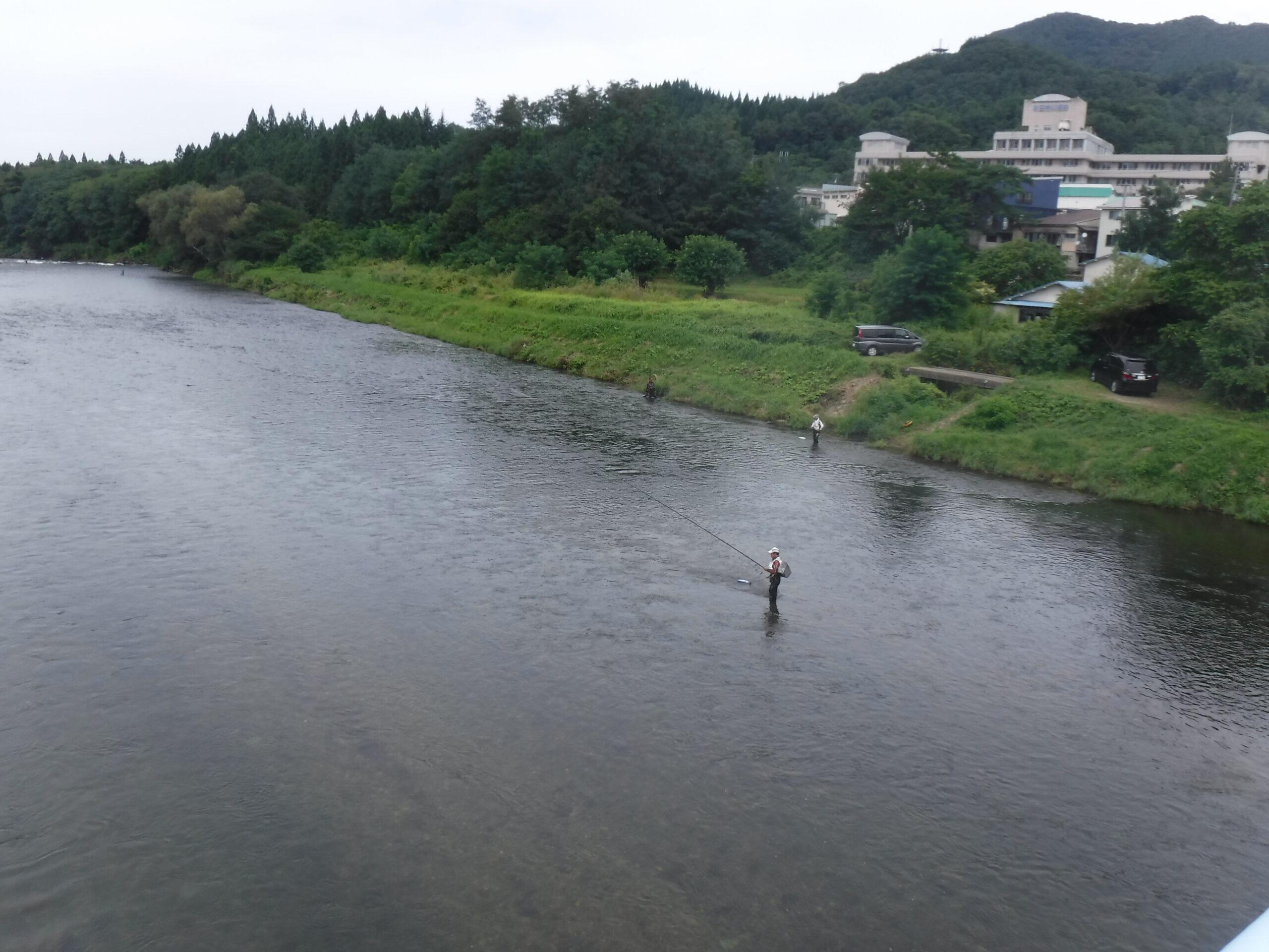 大滝橋から鮎釣り風景